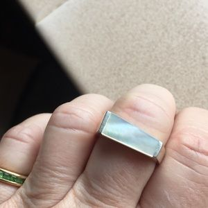 Jewelry - Silver mother of pearl ring